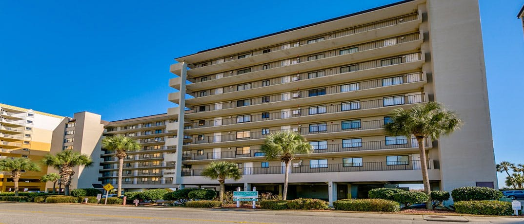 Located In Windy Hill Beach The Sea Winds Myrtle 2 Bedroom Condos Offer Stunning Views Of Ocean Which Can Be Thoroughly Enjoyed While Relaxing